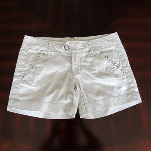 BKE Casuals Mollie Low Rise Shortie Walking Shorts
